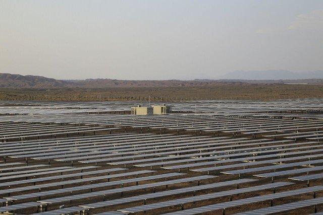 احداث نیروگاه خورشیدی 25 مگاواتی در قم؛ در گرو برطرف موانع شهرداری