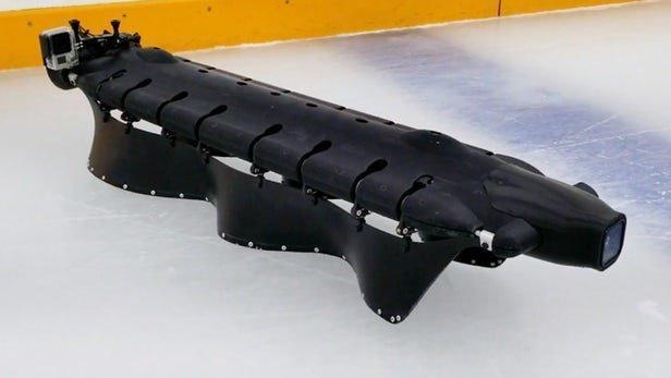 ابداع یک ربات خزنده با توانایی اسکیت روی یخ
