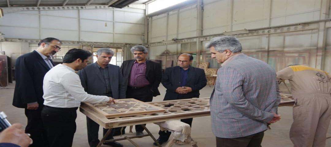 آستان قدس می تواند به احیای هنرهای مرتبط با چوب کمک کند