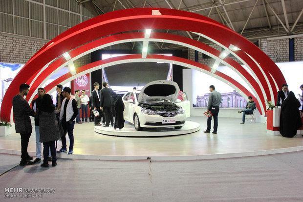 22 تفاهمنامه بین شرکتهای دانش بنیان و صنعت خودرو منعقد شد