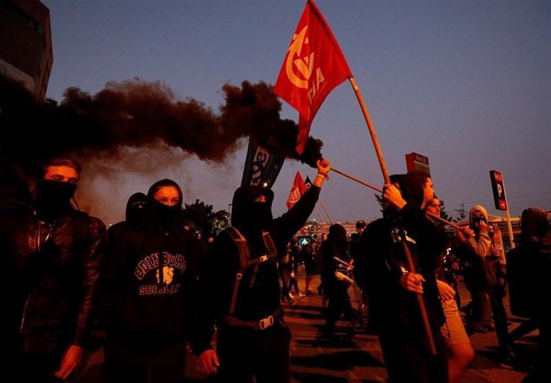 درگیری تظاهرات کنندگان کاتالونیایی با پلیس اسپانیا در سومین روز اعتراضات