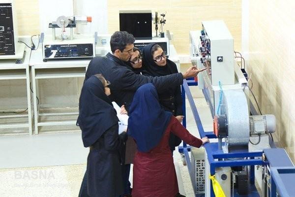 توسعه کسب و کارهای نوین و فنارانه در شهرکهای صنعتی