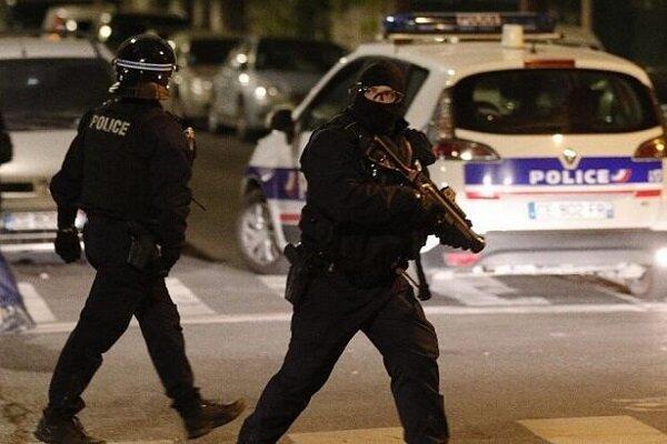 منطقه اطراف طاق پیروزی در پاریس تخلیه شد