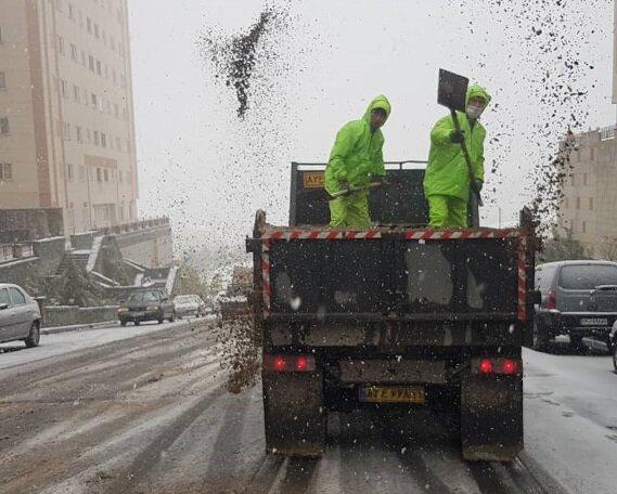 آماده باش ستاد برف روبی منطقه 2در اولین بارش برف پاییزی
