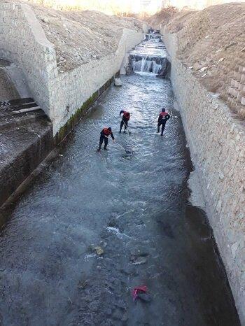 لایروبی مستمر کانال ها و مسیل های منطقه 2