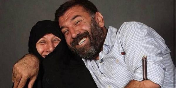 مادر انصاریان در بیمارستان بستری شد