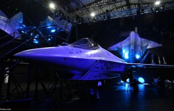رونمایی از جنگنده رادارگریز روسیه با حضور پوتین